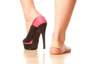 What Does Wearing High Heels Do To The Feet?